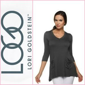 LOGO V-neck tee with 3/4 sleeves and pocket detail
